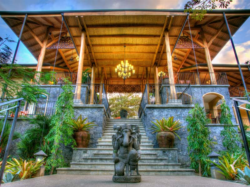 Costa Rica Yoga + Jiu Jitsu Retreat • Omar Lopez + Ryron Gracie • Apr 29-May 4, 2017
